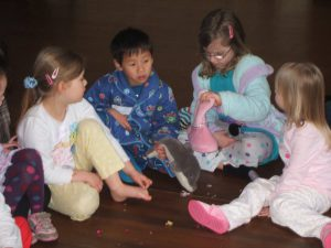 children enjoying pyjama_party with Bee-fit